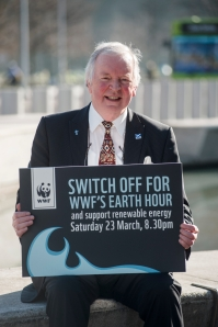 Bill Walker MSP supports WWF Earth Hour at Parliament